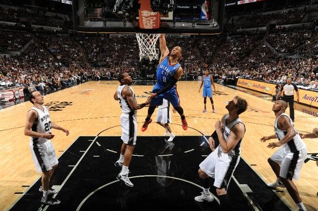 westbrook-dunk-spurs
