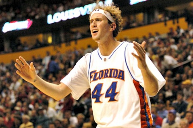 University of Florida's Matt Walsh argues a foul call during their 76-65 loss to Villanova University in the second round of the NCAA Division 1 Men's Basketball  Championship Sunday, March 20, 2005 at the Gaylord Entertainment Center in Nashville, TN.   (Gary W. Green/Orlando Sentinel)